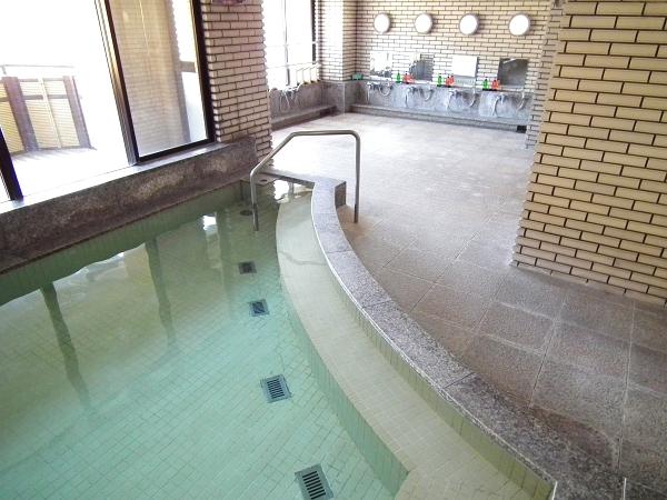 この棟の2階と3階に温泉大浴場がございます。