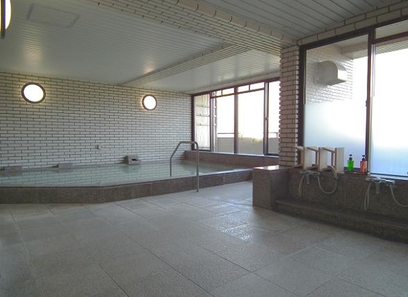 1番館に有る温泉大浴場です。お部屋からも近いので、是非現地でご確認ください。