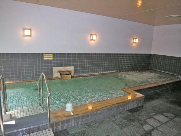 木目調の温泉大浴場です。