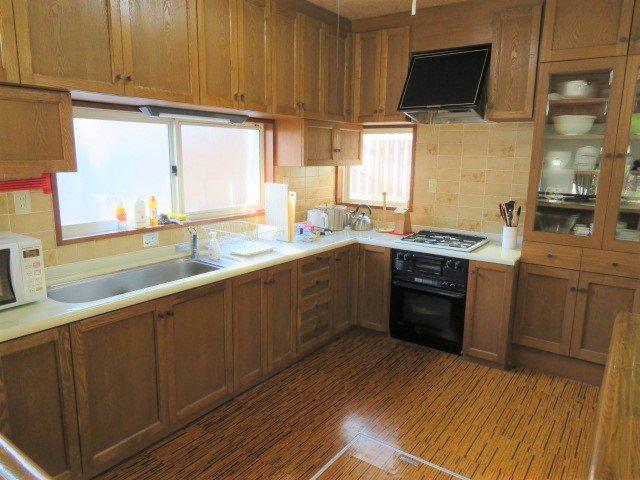 キッチン内も広々して設計なので数人で調理可能です