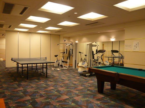お部屋には洗濯機置場が設置されておりませんので、「コインランドリー」をご利用くださいませ。