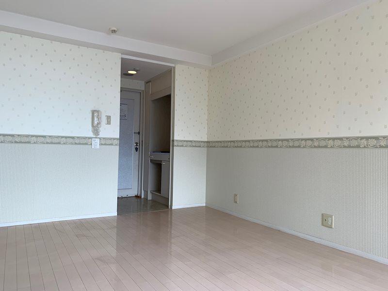 こちらのお部屋は洗面・トイレ・浴槽の「3点ユニット」が備わっています。