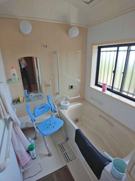 2階居住用スペース、浴室です。