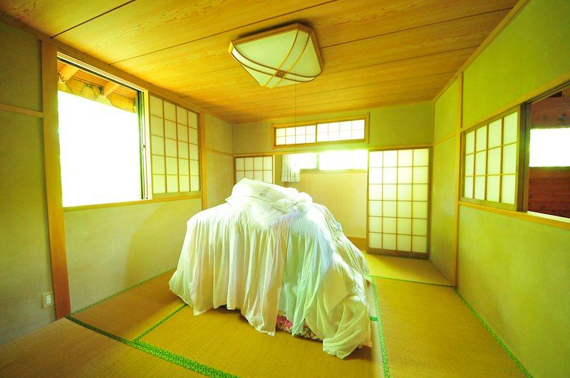 2階の和室です。広縁もあり、旅館のような設えです。