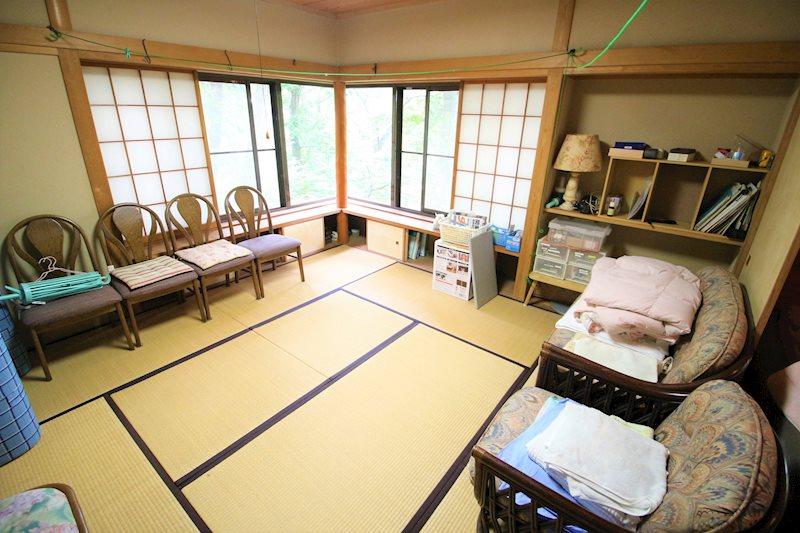 リビング横の8帖の和室には掘りごたつを備え冬場の利用時も楽しめそうですね!