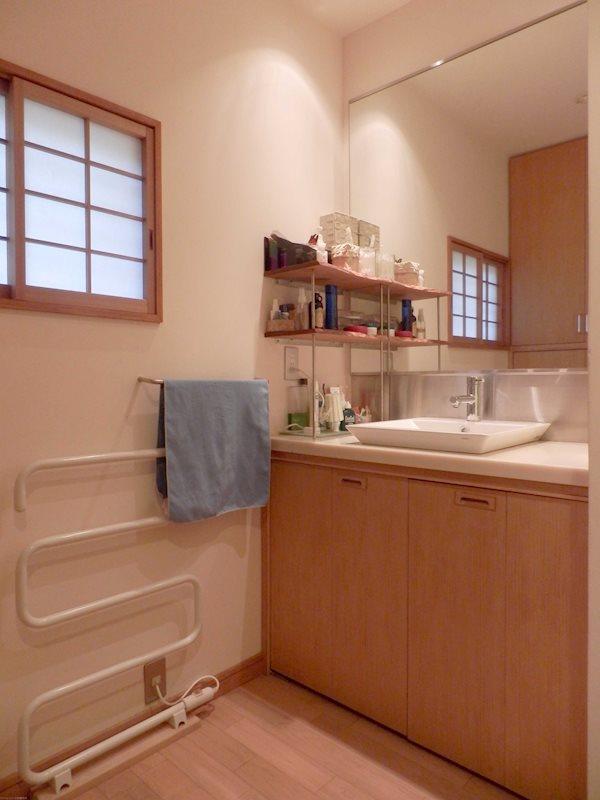 シャワーバーが設置されています。