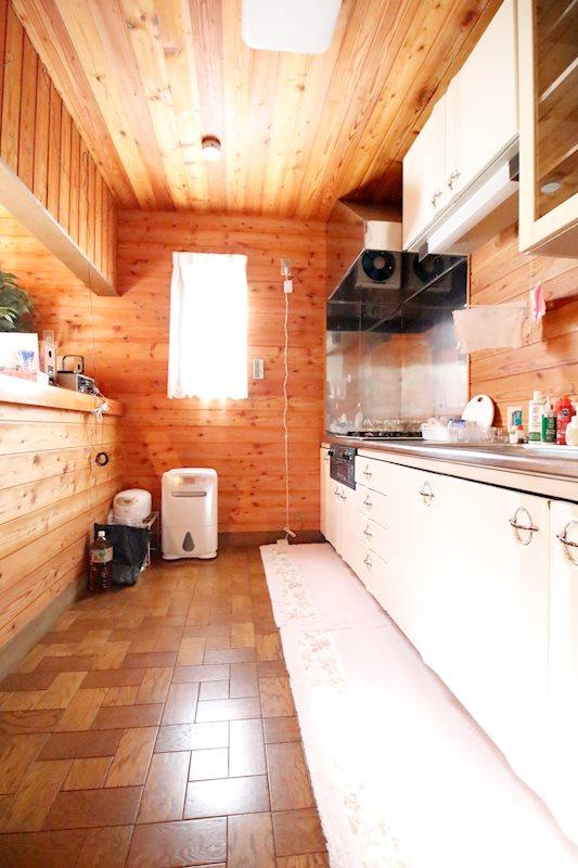 ゆとりある広さのキッチン。