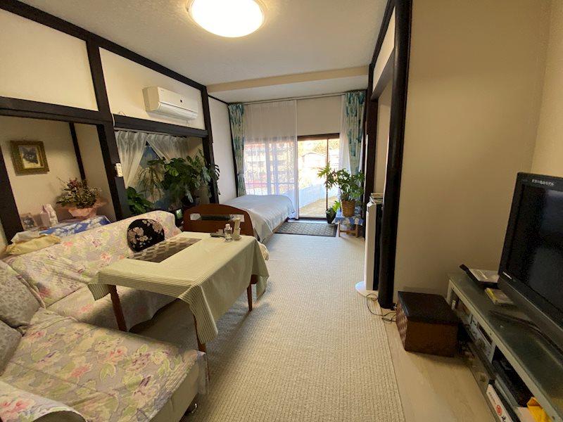 こちらは寝室として利用されています。8部屋ありますので用途に合わせて色々なご利用方法が可能です。