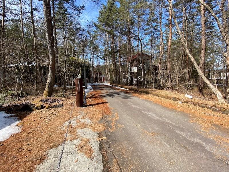 前面道路も広さが確保してあり、通行も安心です。