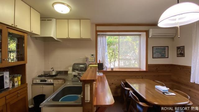 和室1:リビングと併設している6.5畳の和室。ベランダがあり外に出ることができます。