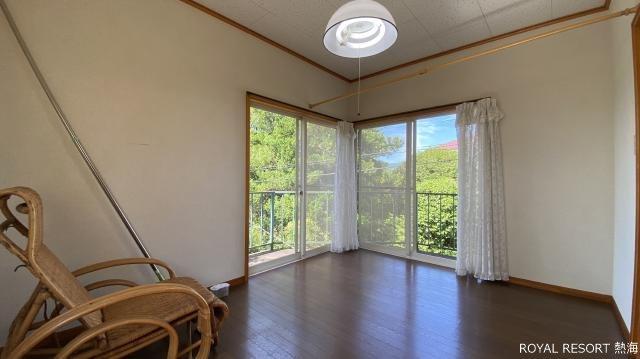駐車場:1台車を駐車できる駐車スペース有。是非愛車でお越しください。