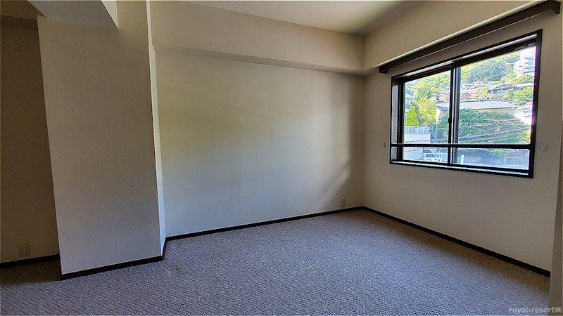 約6.9帖の洋室です。