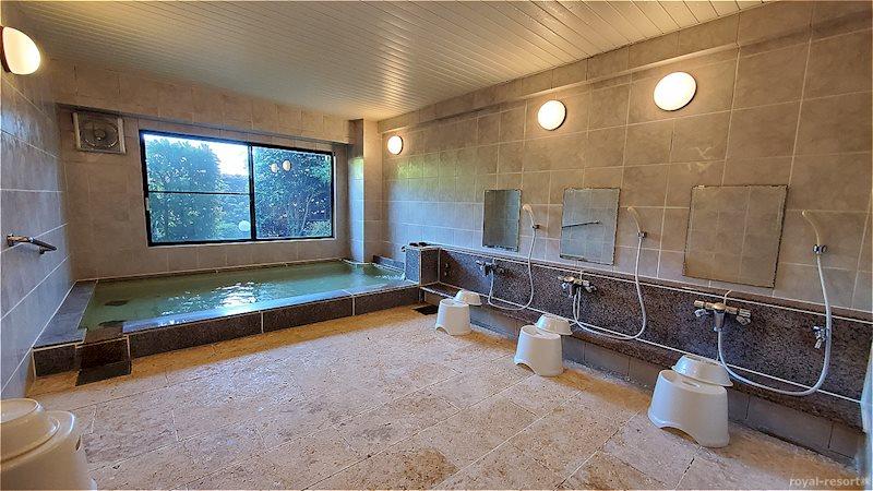 こちらが同マンションの温泉大浴場です。