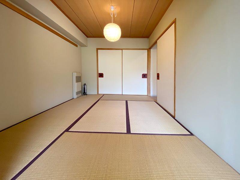 約6畳の和室です。琉球畳への交換等、ご相談ください。