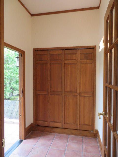 玄関ホールには十分に活用できる収納あり