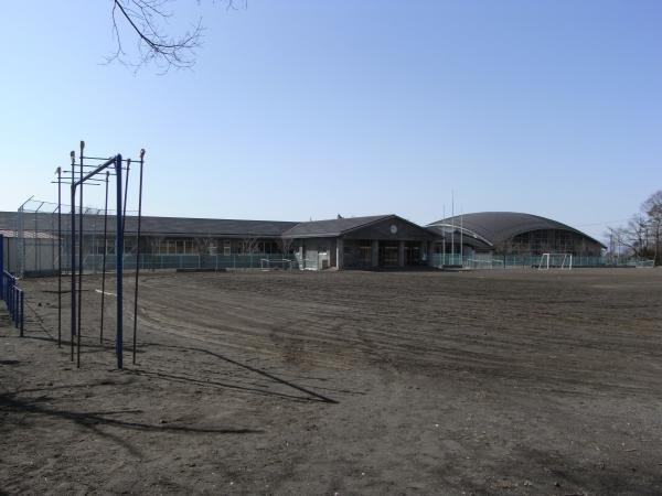 西部小学校まで約1.3キロ。通学にも優しい場所。