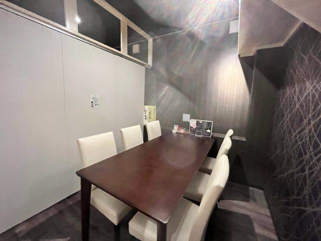 1階個室スペースの様子です。間仕切りが自由に調整できます。