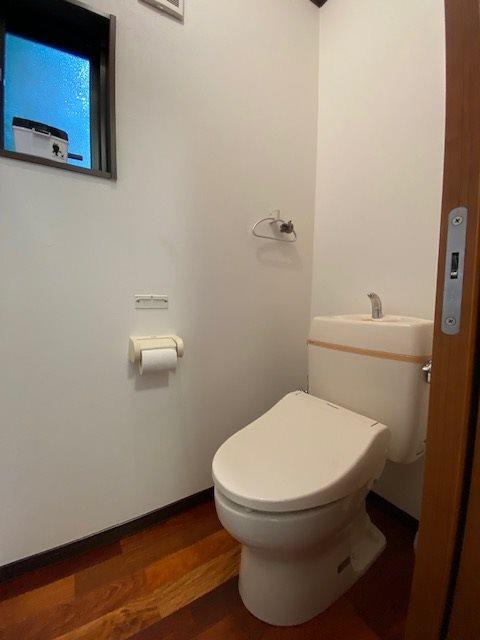 清潔感あふれるトイレ。
