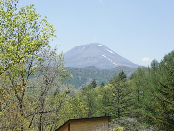 別荘地内からは浅間山が一望です。