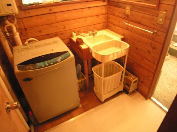 ≪洗面・脱衣室≫ 洗濯機置場も確保されています。