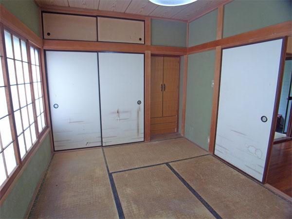 ≪和室≫ 6帖。こちらの窓も南東向きで明るいお部屋です