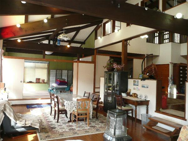 奥は和室10帖贅沢な広さの和室です。