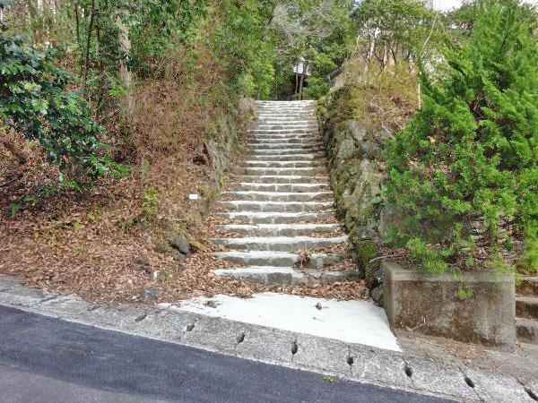 階段がございます。