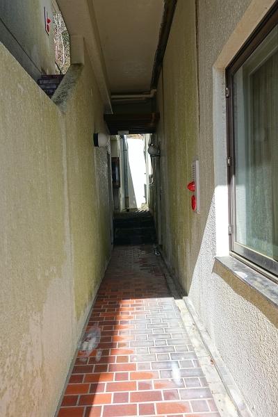 この細い通路もまた面白い造りです。
