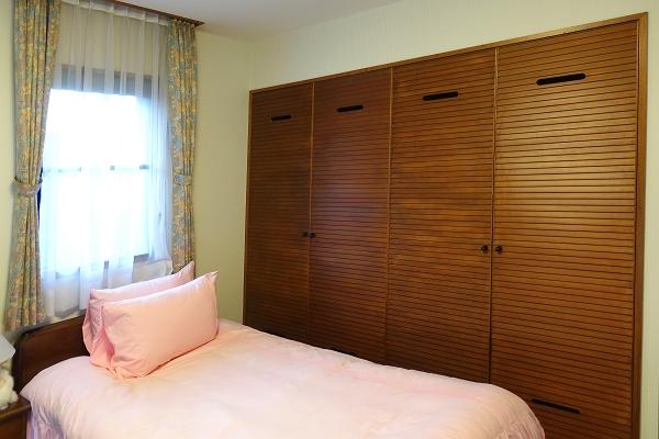 和室の障子を開放すると、更に開放感のあるスペースになります。