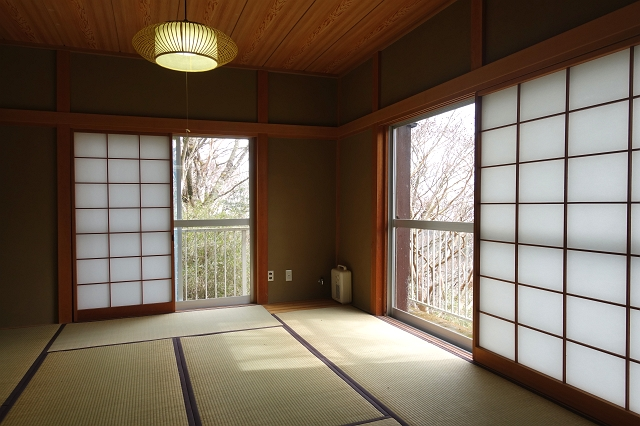 和室の畳は令和2年4月に交換されています。