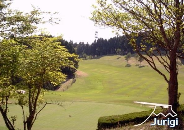 十里木カントリークラブに隣接した別荘地です。