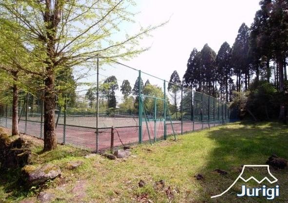 テニスコートも、ご利用いただけます。(予約制)